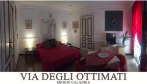 Bed Breakfast Reggio Calabria banner bilocale Via degli Ottimati camera matrimoniale rossa